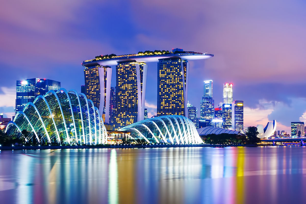 a_night_perspective_on_the_singapore_merlion_8347645113